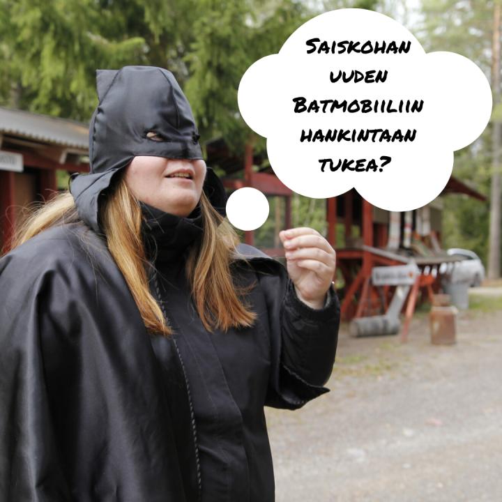 Batman pohtii Saiskohan uuteen Batmobiiliin rahoitusta?