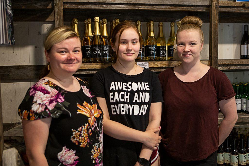 Sofia Latvajärvi, Laura Latvajärvi, Maiju Suutari